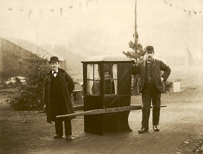 Sedan chair journey in 1895